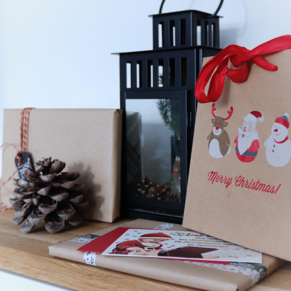 Geschenke und Laterne
