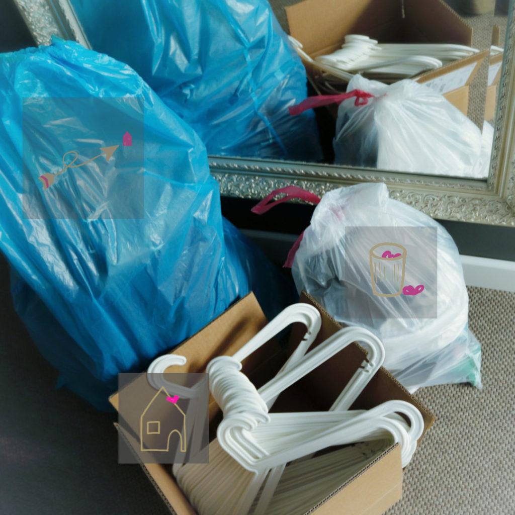 Müllsäcke nach dem Ausmisten