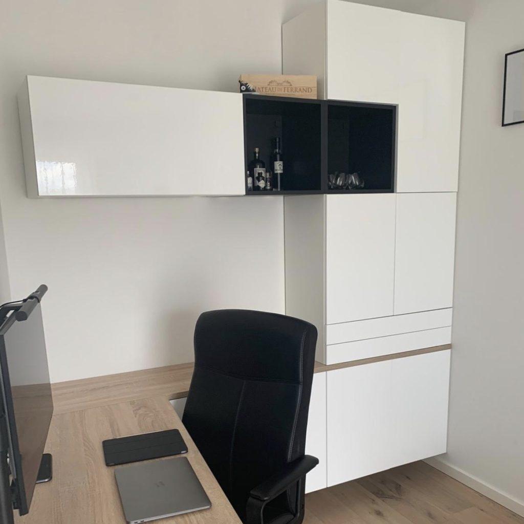 Hack 7, Büro mit IKEA-Küche als Stauraum