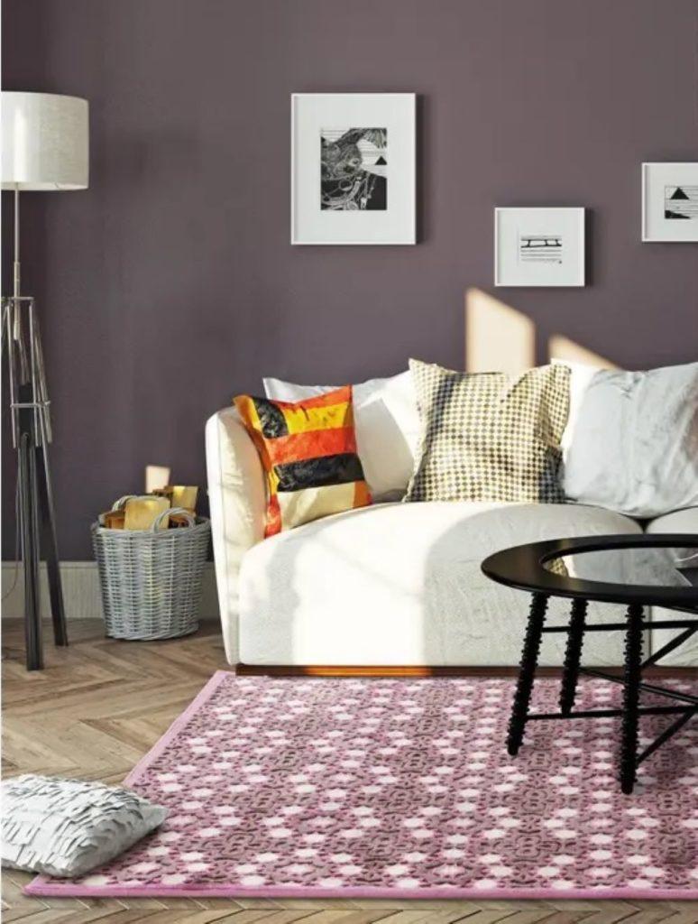 Wie Farben wirken: Violett   Raum mit violettfarbenem Teppich und Wand