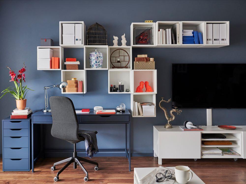 Wie Farben wirken: Blau   Arbeitszimmer mit roter Wand