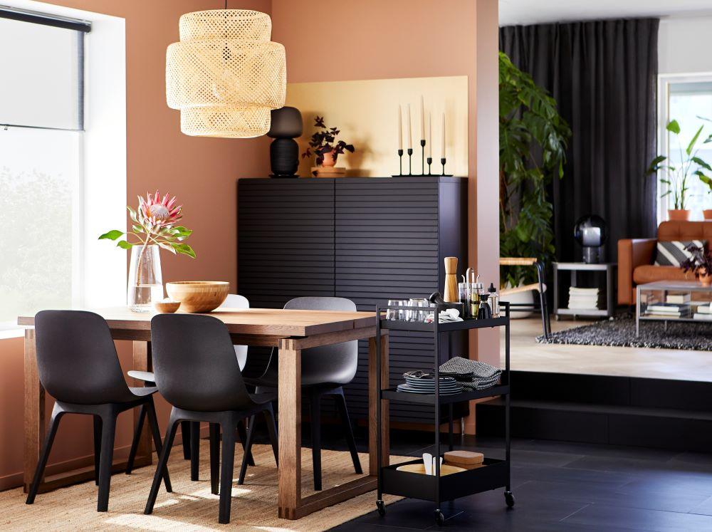 Wie Farben wirken: Orange   Esszimmer mit orangefarbener Wand