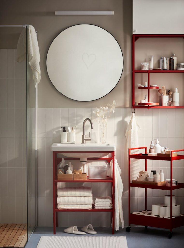 Wie Farben wirken: Rot   Badezimmer mit roten Akzenten
