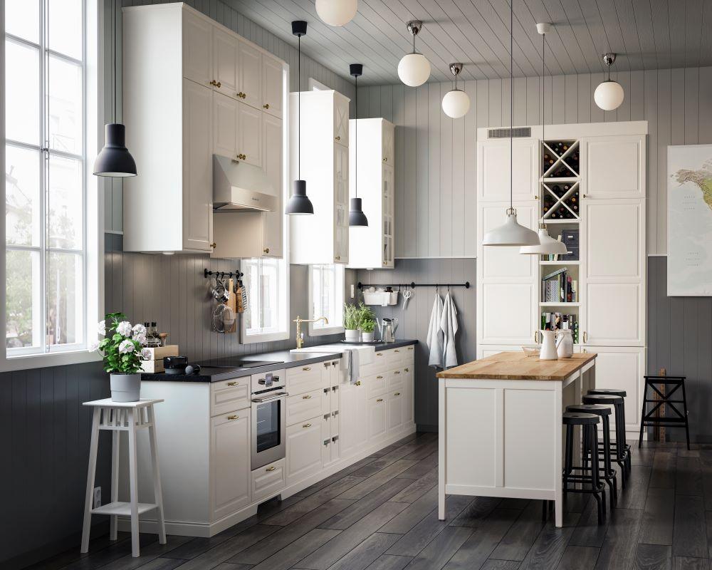 Wie Farben wirken: Weiß   Küche mit weißen Schränken